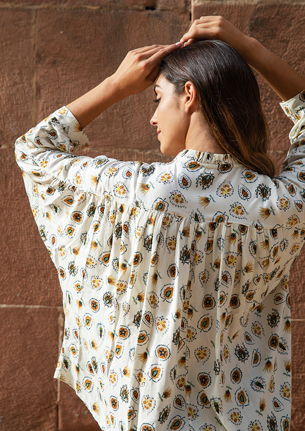 beige blouse5